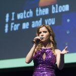 Rachel-Leahcar-singing